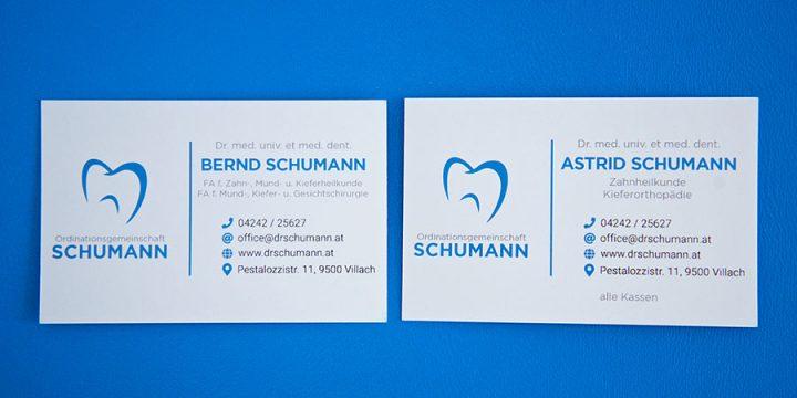 Unsere Visitenkarten entnehmen Sie am Empfang
